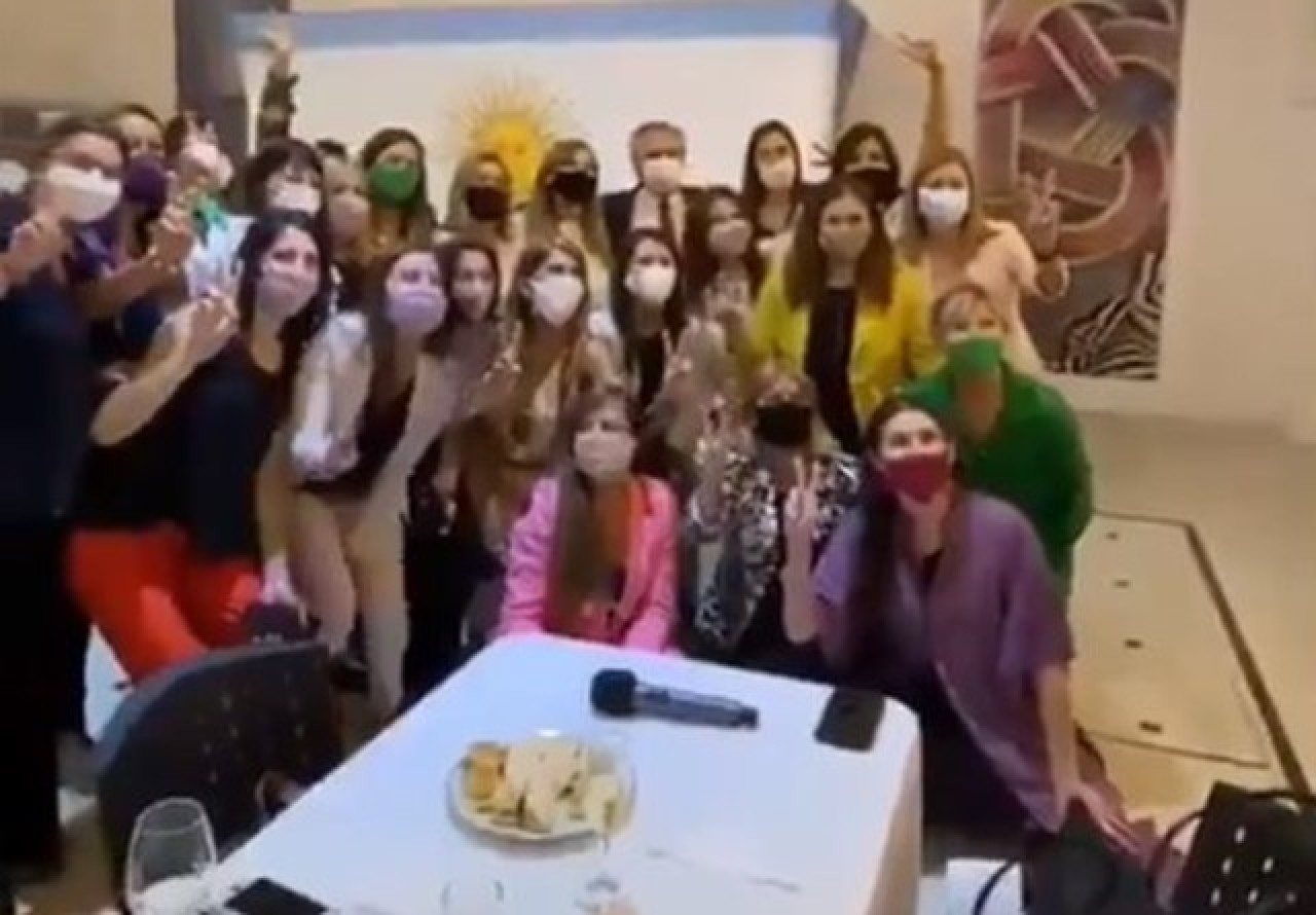 Tras la polémica por el cumpleaños de Yañez, se viralizaron imágenes de Fin de Año en Olivos