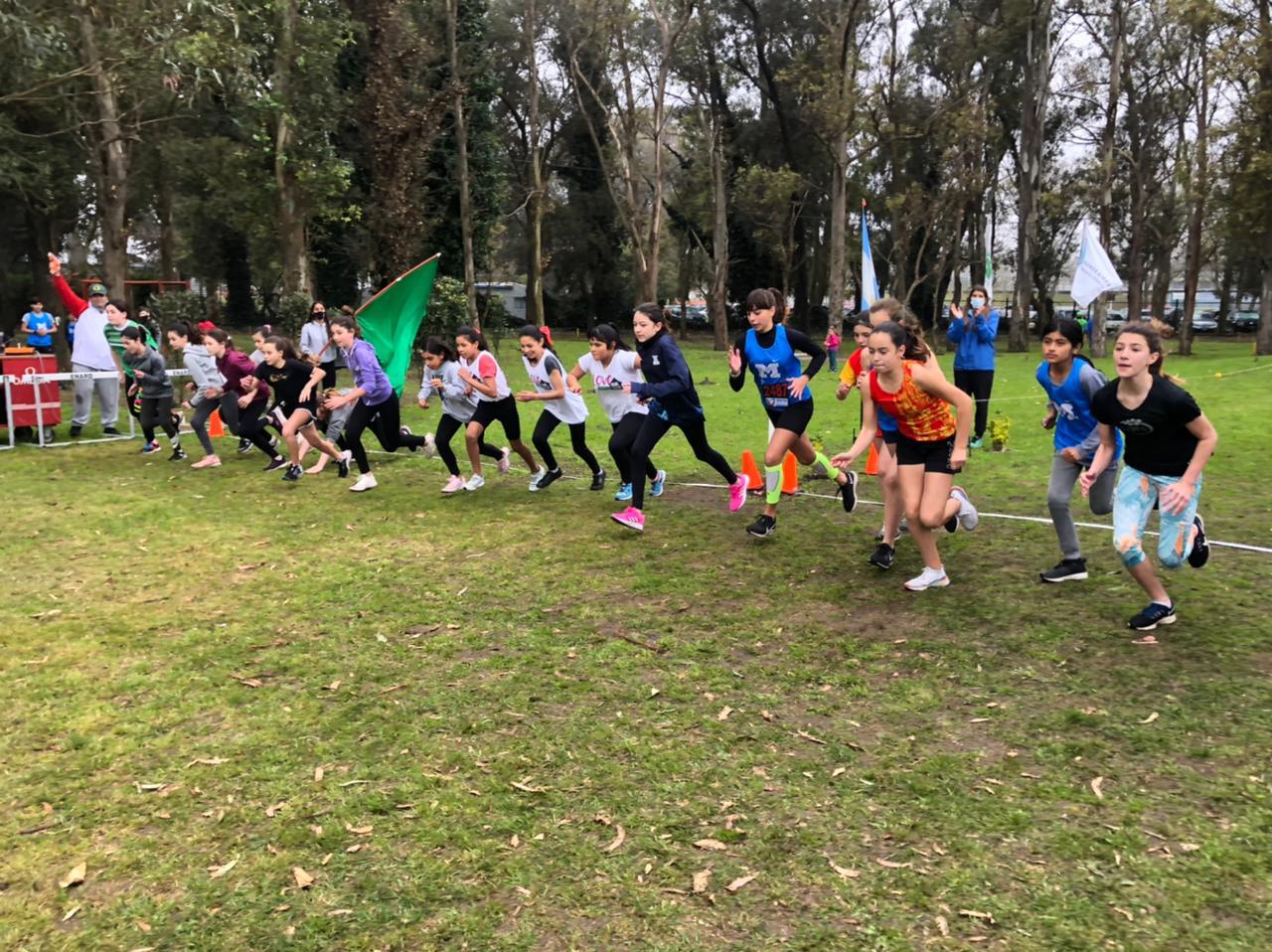 Fiesta del Atletismo con el Cross de Primavera