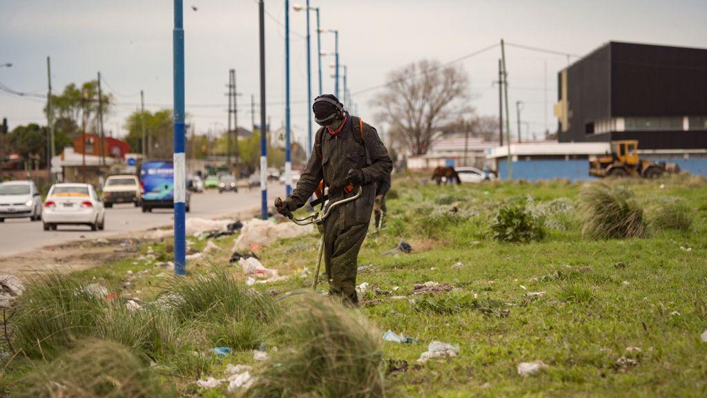 El Municipio limpió microbasurales en el barrio Las Heras