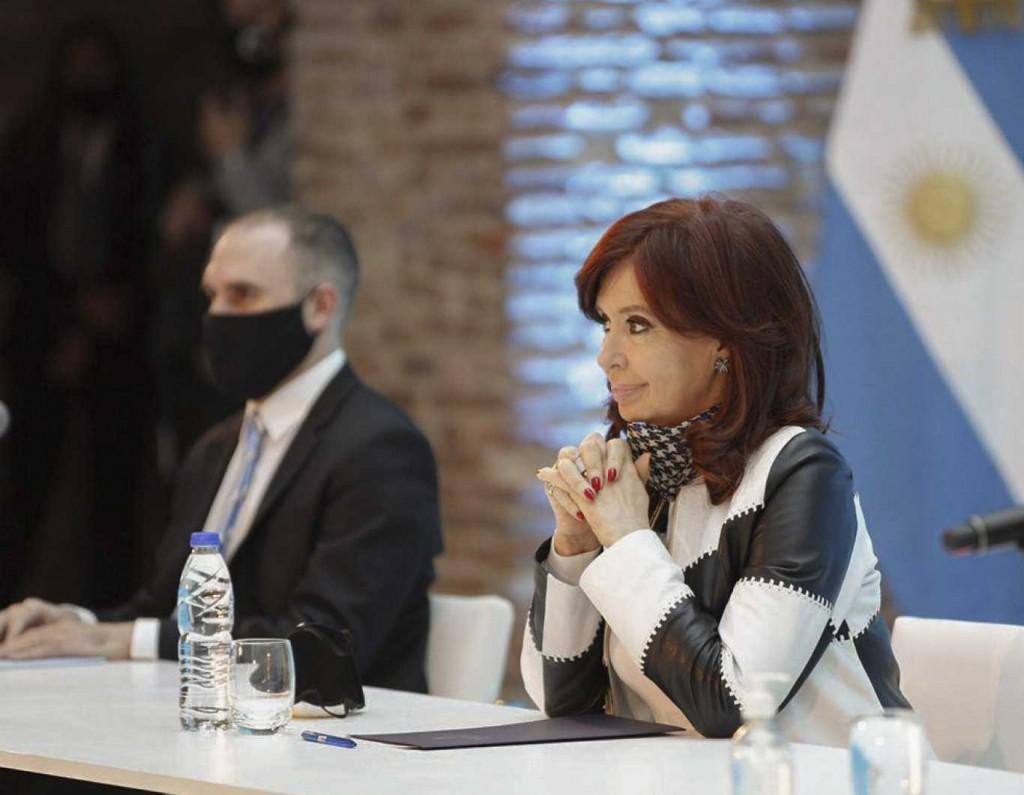 "Guzmán le respondió a Cristina Kirchner: ""No hubo ajuste fiscal, hubo una reducción del déficit"""