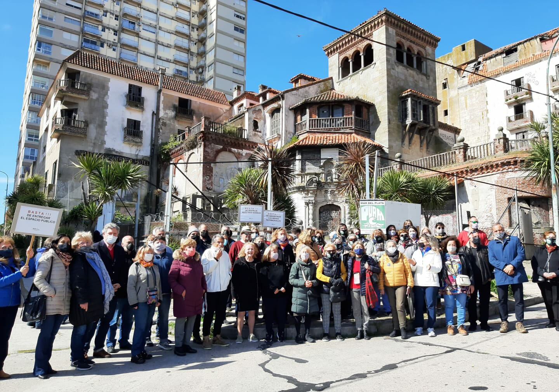 Numerosa movilización en defensa del patrimonio arquitectónico marplatense