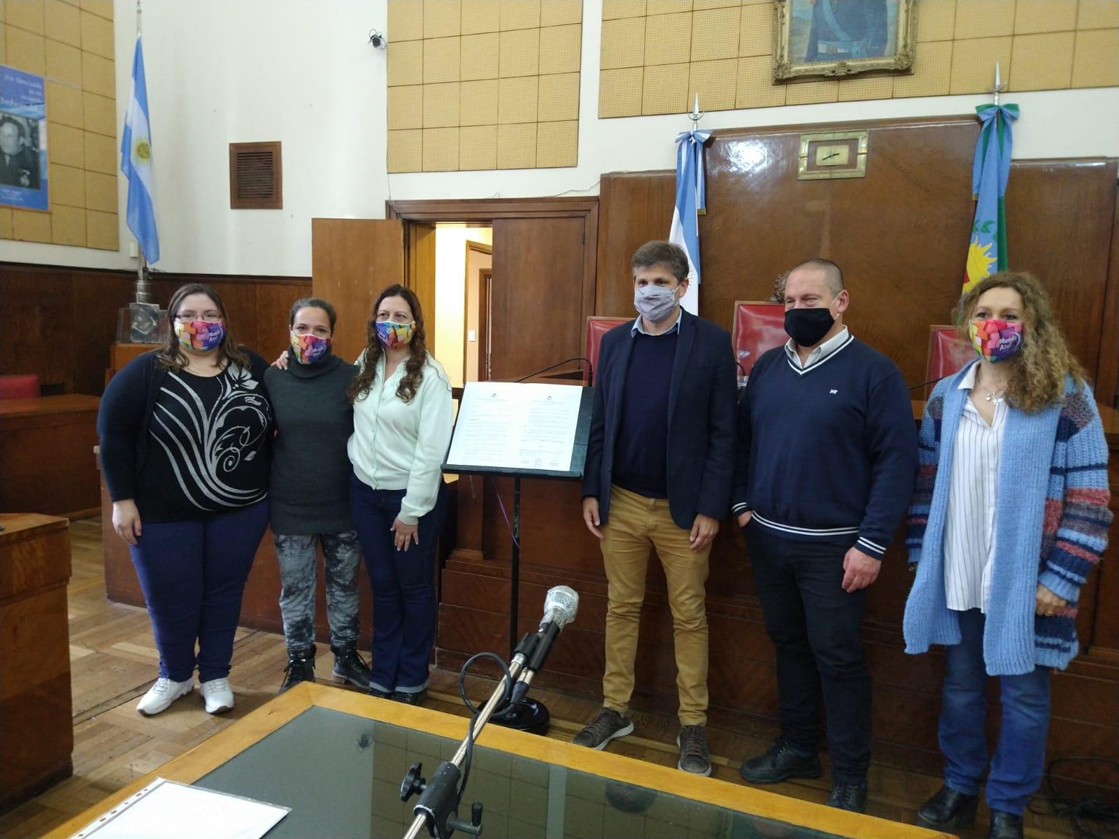 Reconocimiento a la labor y el compromiso de la Asociación Civil Mundo Azul