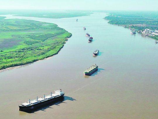 Se firmó el contrato para que la AGP inicie la gestión temporal de la Hidrovía Paraná-Paraguay